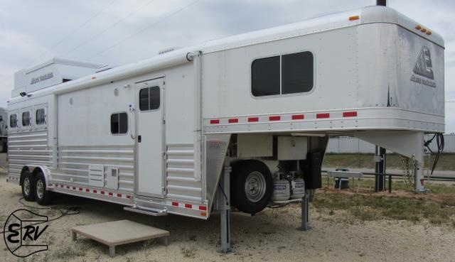 Rv Barn With Living Quarters : Best images about living quarter horse trailers on