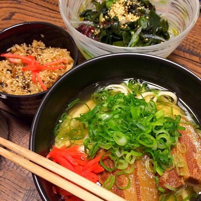 と、フォンダンショコラ。 - 65件のもぐもぐ - 沖縄そば&ジューシー&海藻サラダ。 by cocoatea