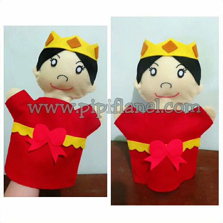 Queen hand puppet made by Pipi Flanel.. Wanna see our feltdolls collection? Please visit our website at www.pipiflanel.com thank you :)