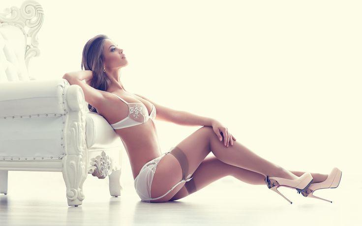 Картинка девушка, сексуальный, милый, нижнее белье, сексуальные ноги, каблуки, стул, чулки, бюстгальтер 1920x1200 скачать обои на рабочий стол бесплатно, фото 157320