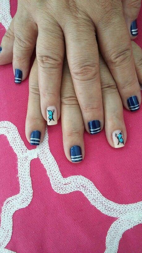 I love my blue nails
