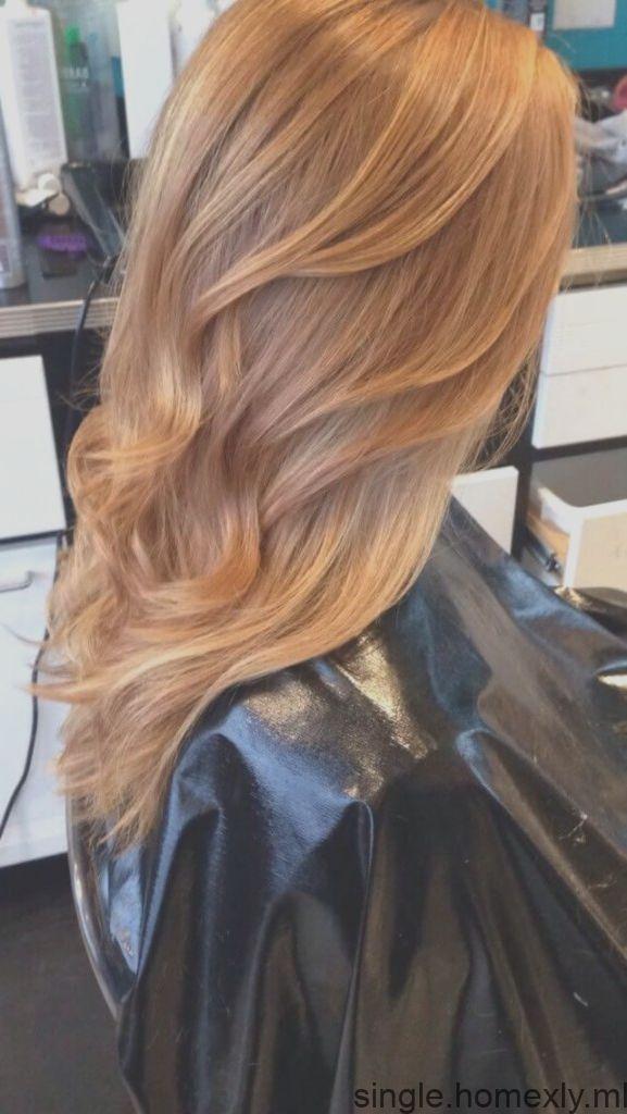 50 Farben hellblondes Haar mit Erdbeeren für dieses Jahr