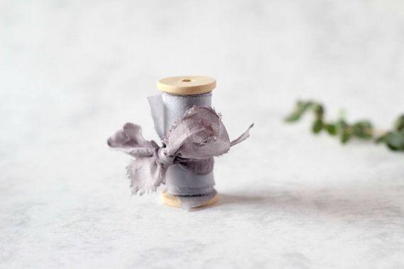 Lazo de seda teñido a mano, Plata oscuro, Lazo de seda gris, 1.5 pulgadas, Lazo de seda, Tinte natural, Decoración de bodas, Ramo de novias