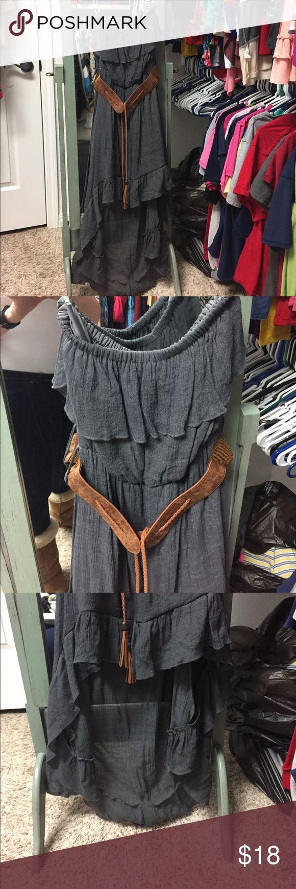 High low dress Women's boutique high low dress. Size medium. Super cute and perfect for spring/summer weather. Looks good dressed up with some wedges or down with some cowboy boots. I just love the versatility. Feel free to ask any questions. All offers considered Dresses High Low