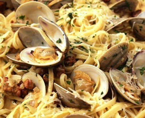 Linguine with Clams -  cookingkeptmesane