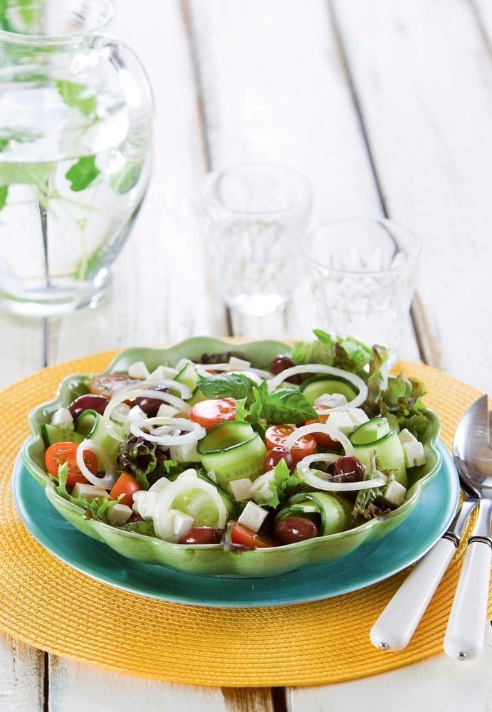 Kevennetty kreikkalainen salaatti | Kreikka | Pirkka #food #salads
