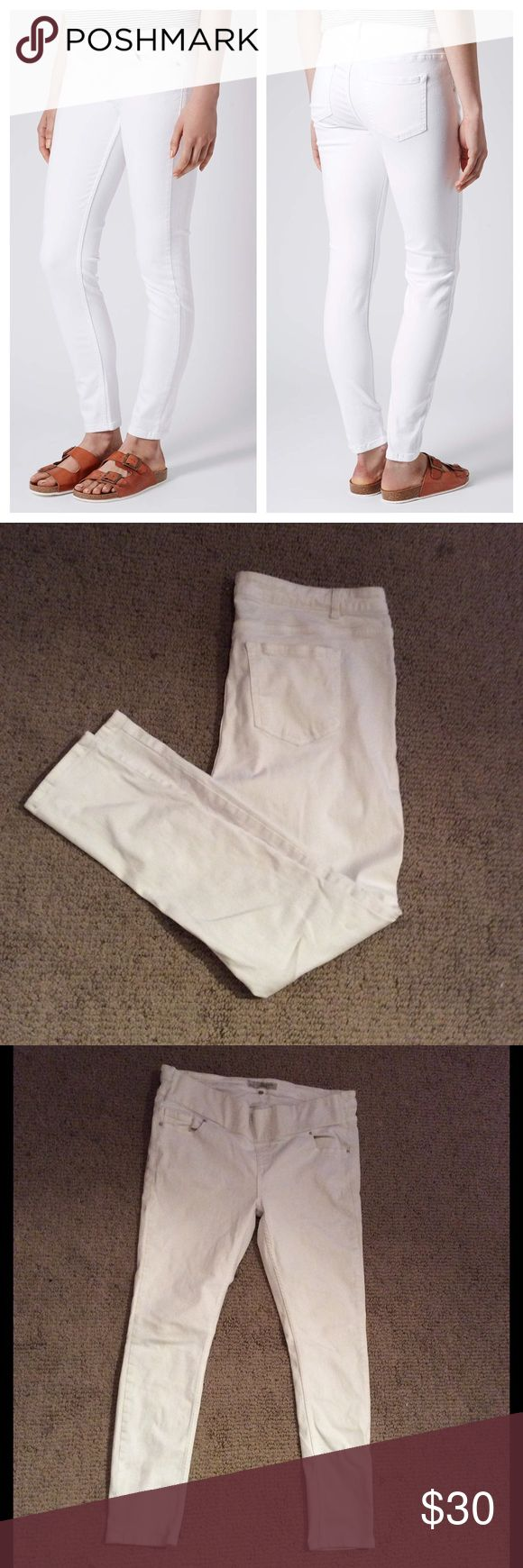Topshop Maternity Moto White Skinny Stretch Jeans Gently pre loved condition. Across waist: 18in. Inseam: 27in. Outerseam: 38in. Foot opening: 5in Topshop MATERNITY Jeans Skinny