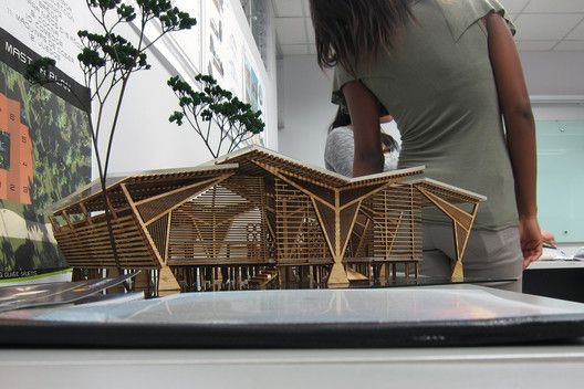Lanzan crowdfunding para RCCC, un revolucionario centro comunitario y sostenible de reciclaje en Costa Rica,Un total de seis grupos de estudiantes proporcionaron soluciones para el Centro de Reciclaje y Comunitaria en la Isla de Chira; las diferentes propuestas se han resumido en un manual que será completado para el Ministerio de Salud. Image Cortesia de A-01