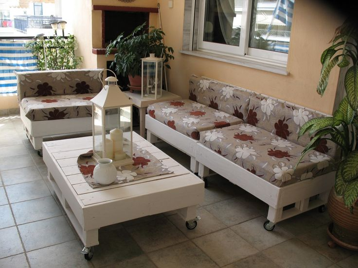 Sofa from pallets  #Lounge, #Pallets, #Sofa