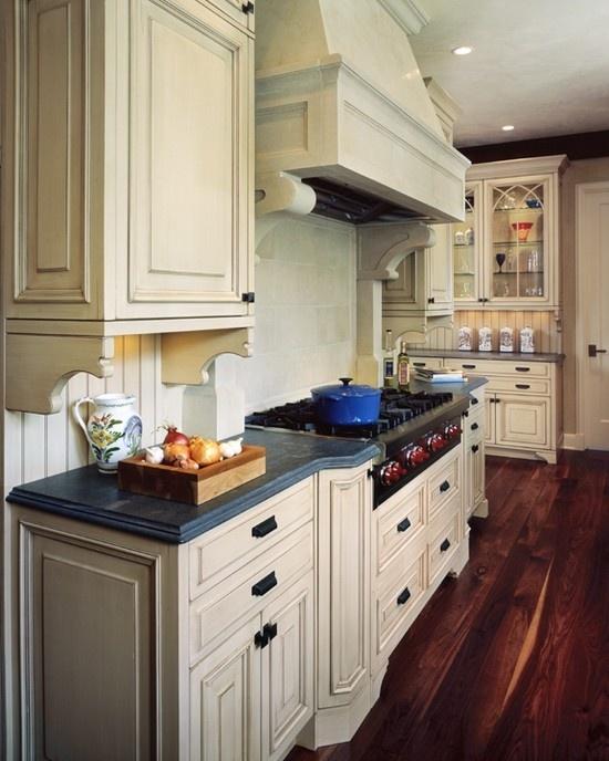 tudor style kitchen 44 best Tudor / Cottage style images on Pinterest