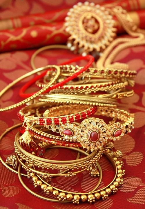 ** Red & gold
