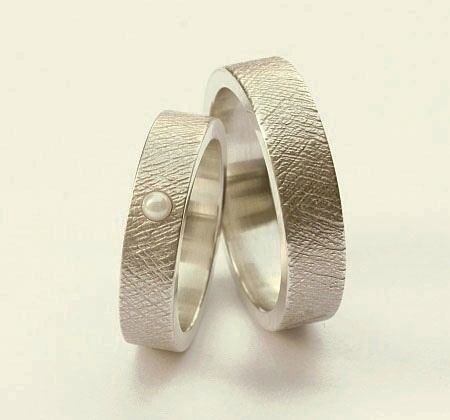 Wunderschön+strukturierte+Ringe,+edel,+schlicht,+und+doch+außergewöhnlich!+Toll+als+Eheringe,+Verlobungsringe,+Partnerringe,+Freundschaftsringe+ode...