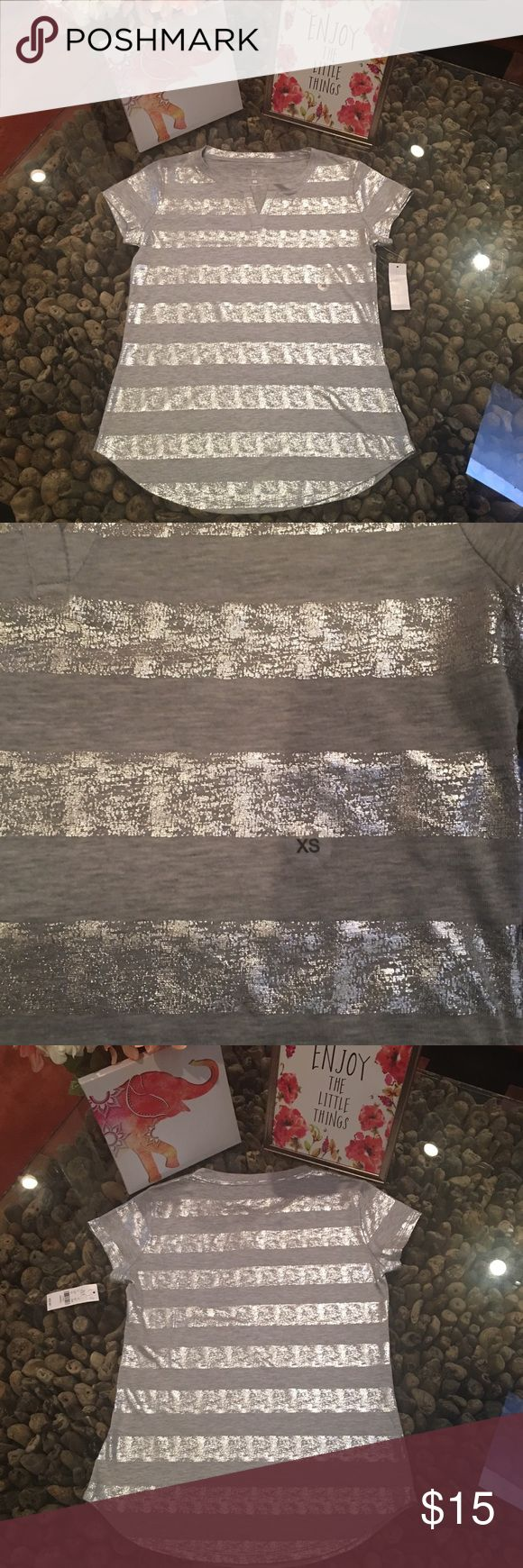 💙2 for $15💙 Split neck metallic tee - NY & Co NWT NY & Co - Split neck metallic striped tee. 100% cotton.  Shirt is gray with silver metallic stripes. New York & Company Tops Tees - Short Sleeve