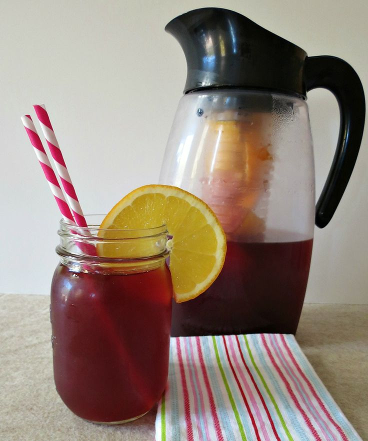 Pomegranate Citrus Juice - A light refreshing drink made with pomegranate juice, lime and oranges. Jazz it up and serve over sparking water.