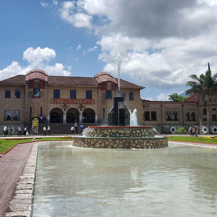 El nuevo Poliforum Mier Y Pesado en #Orizaba #veracruz  #traveling #summer #travel #viaje #mexico #verano #museum #museo #bestoftheday #photooftheday #landscape #turismo #downtown #sunny #visit #trip