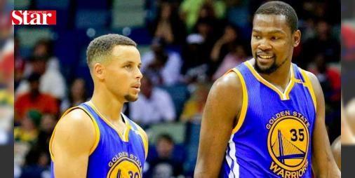 Kevin Durant'ten Golden State'e kötü haber: NBA ekiplerinden Golden State Warriors'ın all-star basketbolcusu Kevin Durant, sol dizinden yaşadığı sakatlık nedeniyle bir süre forma giyemeyecek.