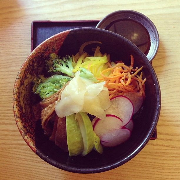 Vege sushi donburi at Len's