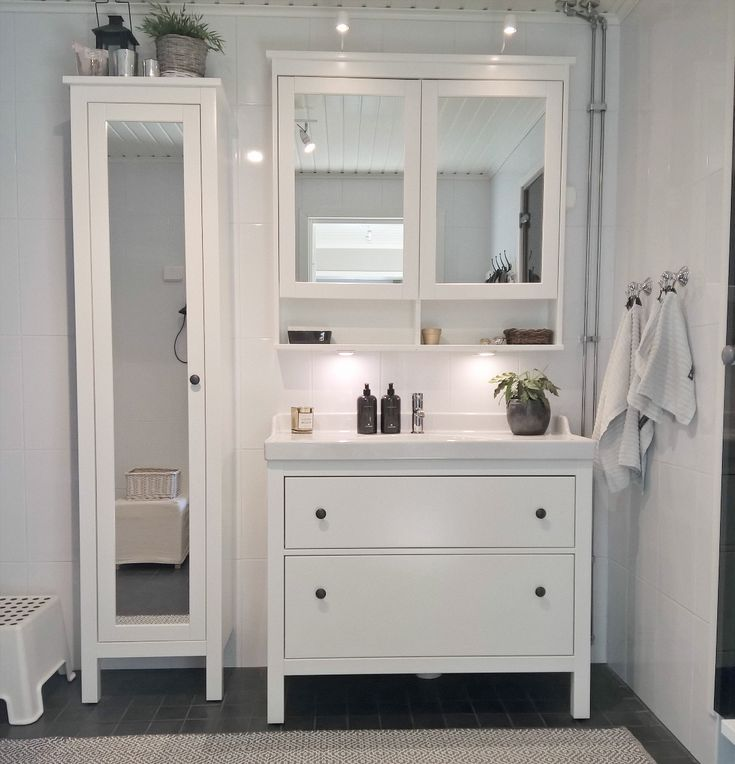 Kalusteilla voi vaikuttaa paljon kylpyhuoneen tyyliin ja tunnelmaan.