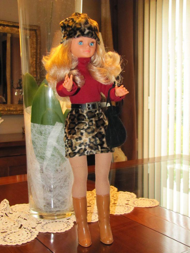 poup e cathie apr s relooking en tenue imition iris 1973. Black Bedroom Furniture Sets. Home Design Ideas