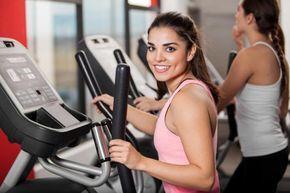 Cómo adelgazar con elíptica. Una de las mejores máquinas del gimnasio que te ayudarán a bajar de peso de forma gradual y muy eficaz es la bicicleta elíptica. Se trata de un aparato de fitness gracias al cual activamos una gran pa...