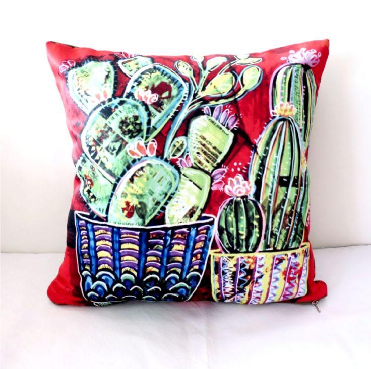 Capa para Almofada 40cm x 40cm estampa Cactus com fundo vermelho
