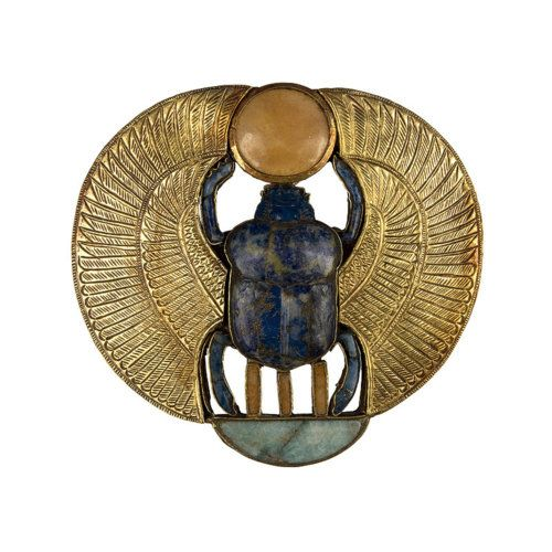 Pectoral with the winged scarab, feldspar.  Tutankhamun's tomb.  Valley of the Kings, Egypt.  18th dinasty (New Kingdom), 1332-1323 B.C.