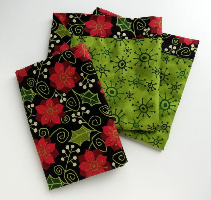 Poinsettia napkins, holiday napkins, gift for her, Christmas napkins,housewarming gift, double-sided napkins, cloth napkins, set of  4