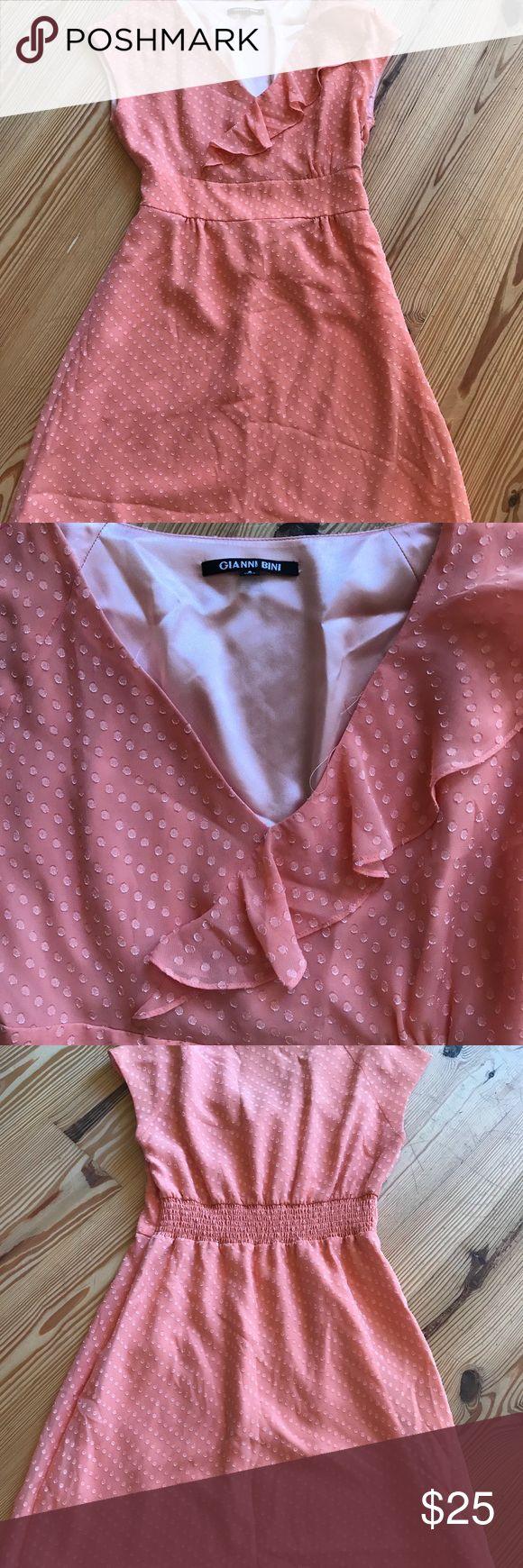 EUC Gianni Bini peach dress with Ruffle. Size 8 EUC Gianni Bini peach dress with Ruffle. Size 8 V neck around knee length Gianni Bini Dresses Midi