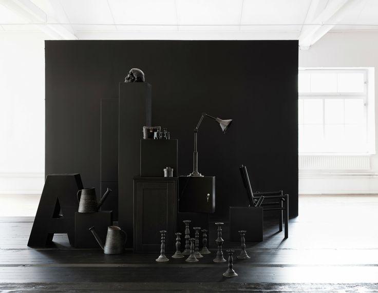 Styling: www.lottaagaton.se Photo: www.petrabindel.com. www.facebook.com/AspenBadrum  Aspen / Badrum / Viskan / Lysan / Solvik / Skandinavisk / Design / Förvaring / Black / Bathroom / Scandinavian / Storage / Modern / Graphic / Interior / Styling