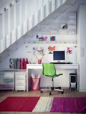 Bureau sous escaliers