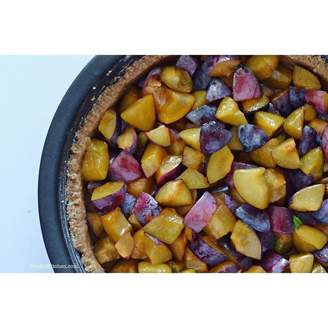Crostata integrale alle prugne (Rustic whole grain plum tart) – DoubleKitchen