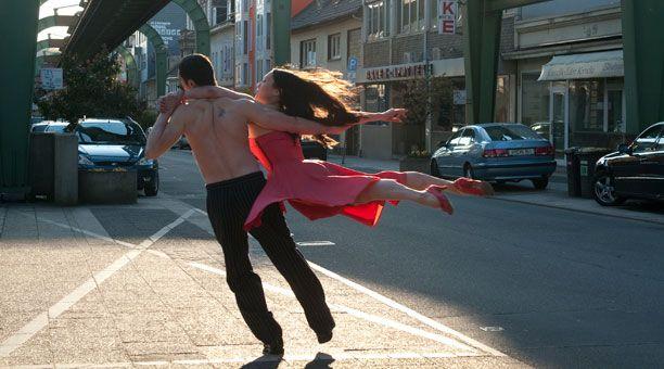 Pina dancers