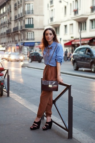 paris street style ++ via refinery29Cities Style, Parisians Chic, Bows Ties, French Street Fashion, Street Style, Denim Shirts, Paris Street Styles, Bastille Day, Paris Streets