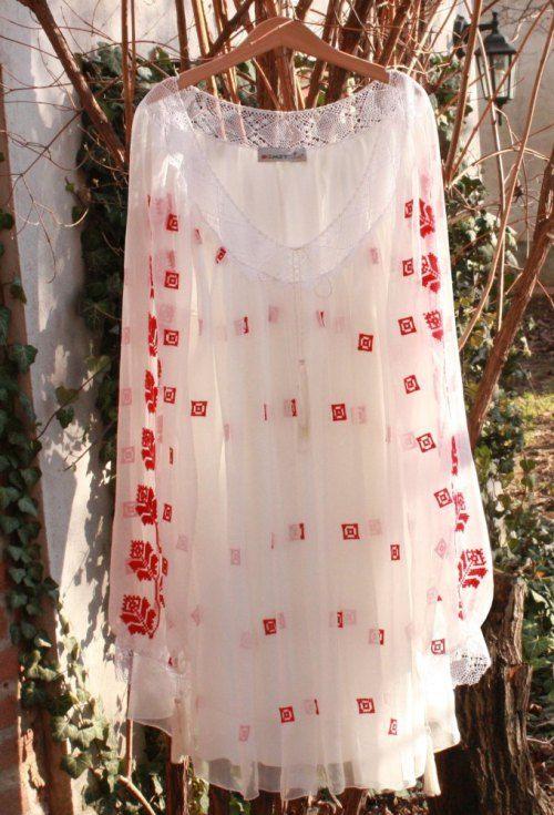 costume, ii si camasi stilizate | cu dragoste pentru portul stramosesc | Pagina 11