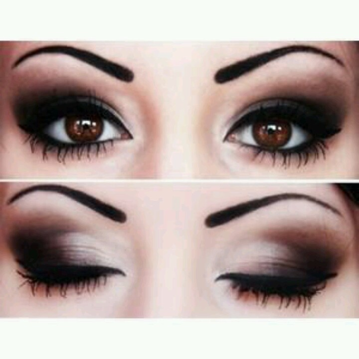 Colores oscuros para intensificar tu mirada.