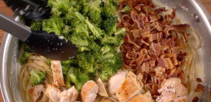 Creamy Chicken Bacon Pasta | Creamy Chicken and Bacon Pasta