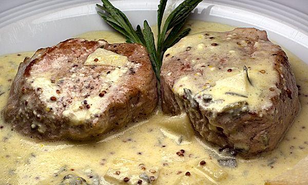 Dem Wetter zum Trotz: Schweinefilet mit Lavendel-Sahne-Sauce | Rezept | Rezepte mit Bildern für die anspruchsvolle Hobbyküche