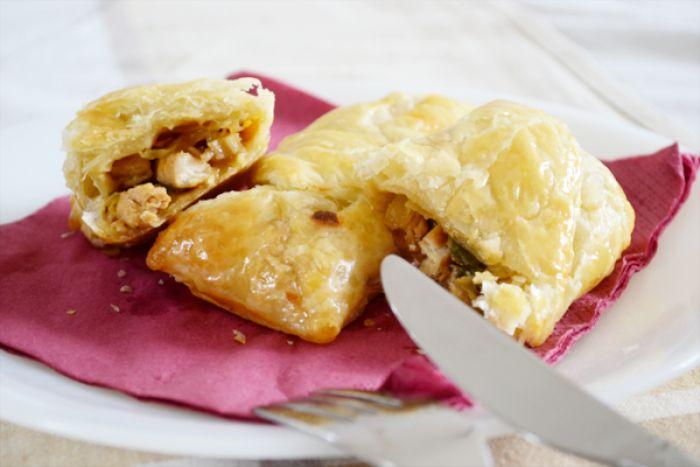 Chinese loempia's gemaakt van bladerdeeg! Heel erg lekker om als bijgerecht te eten bij het avondeten of gewoon als lunch!