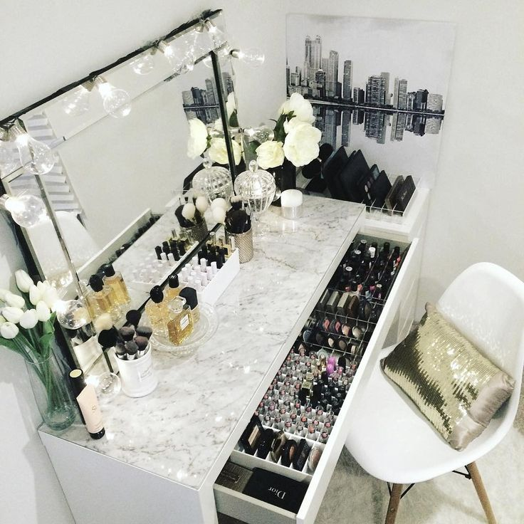 Best 25+ Makeup vanity tables ideas on Pinterest | Mirrored vanity ...