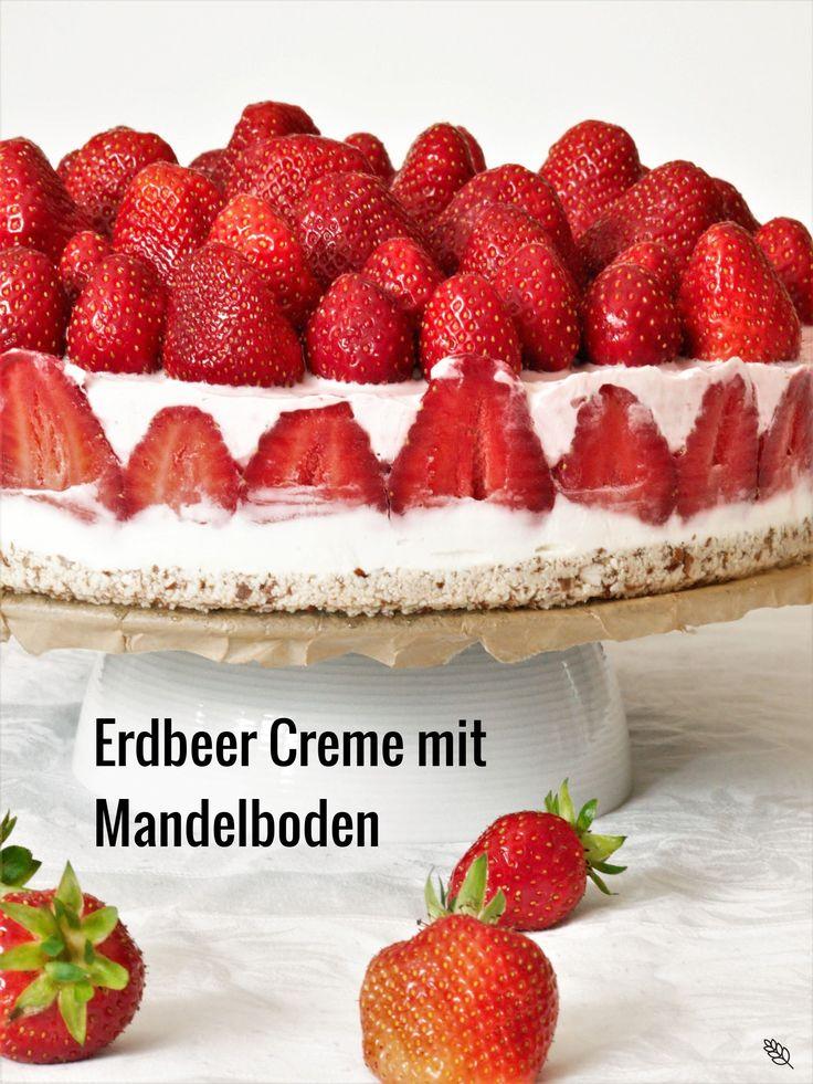 Erdbeercreme mit Mandelboden oder Kuchen ohne Backen