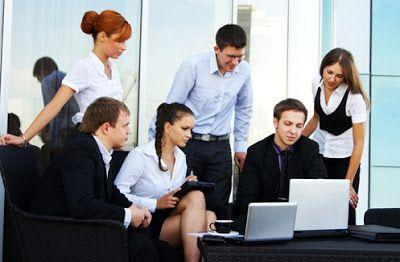 Kiat menjadi agen properti handal dengan mengoptimasi berbagai kanal online, melakukan pemasaran di internet dengan tepat sasaran.