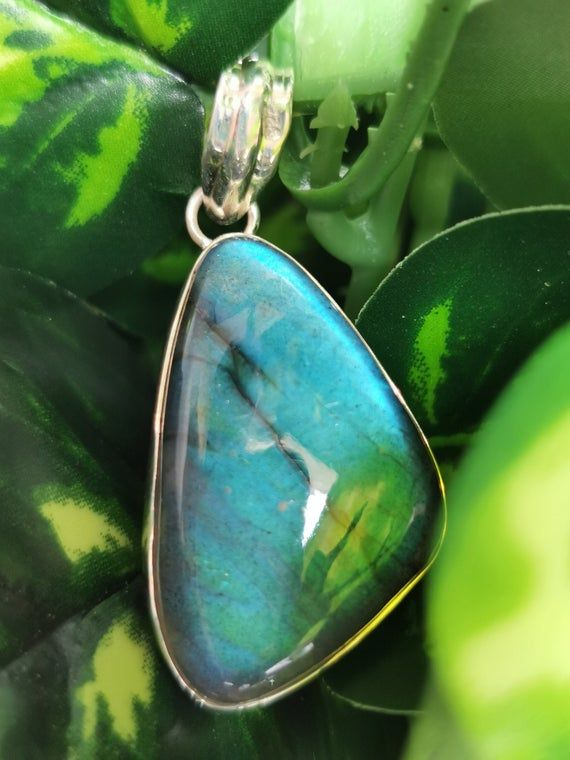 gemstonecrystal jewelry Mother/'s Daybirthdayengagementweddinganniversary gift Beautiful Labradorite Pendant in 925 Sterling Silver