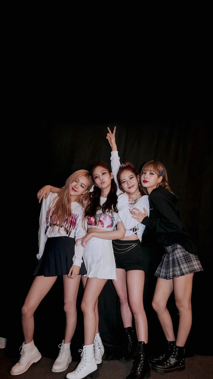 cuma cerita tentang fake ig blackpink and red velvet! Blackpink Jisoo, Kim Jennie, Kpop Girl Groups, Korean Girl Groups, Kpop Girls, Melanie Martinez, Jungkook Jimin, Taehyung, Blackpink Poster