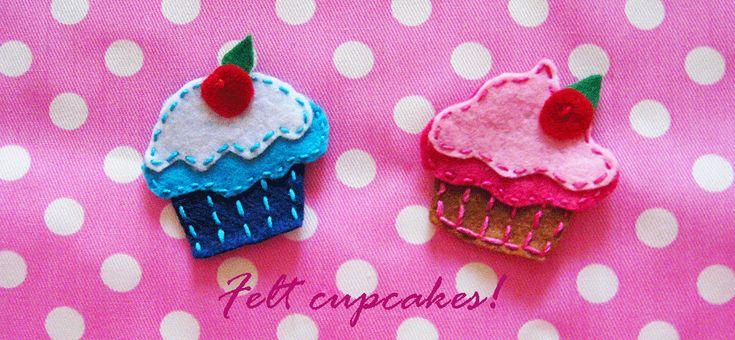 Tutorial in italiano: come cucire cupcake in feltro piatti.