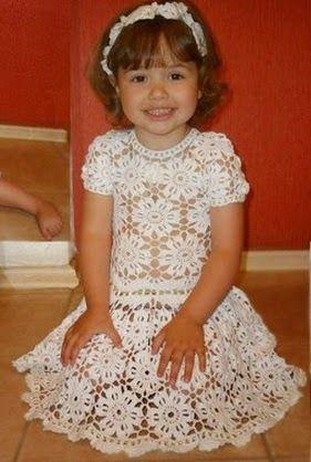 Receita de Crochê Infantil: Vestido para menina em squares de crochê