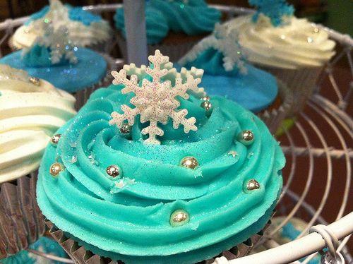 Brightin' blue Christmas
