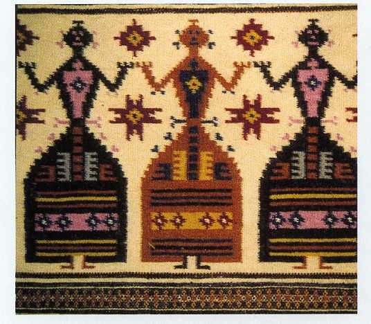 Il MURATS, Museo Unico Regionale dell'Arte Tessile Sarda ha sede a Samugheo, paesino della provincia di Oristano - famoso per la sua produzione tessile - ed è uno di quei luoghi, poco illuminati dai riflettori del turismo di massa, che ci stanno a cuore. E' nato nel 2002 con l'obiettivo di recuperare e conservare la memoria storica della tradizione tessile di tutta la Sardegna