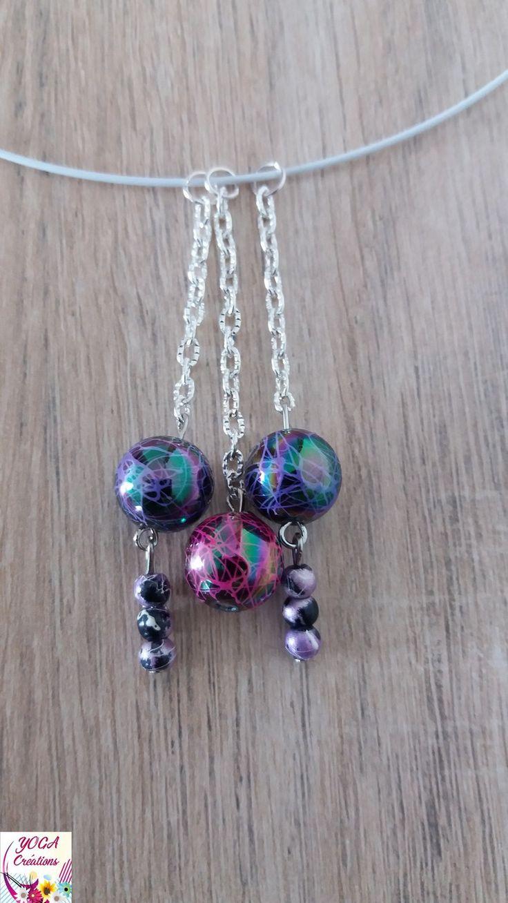 Collier ras de cou en perles acryliques mauve et rose : Collier par yogacreations
