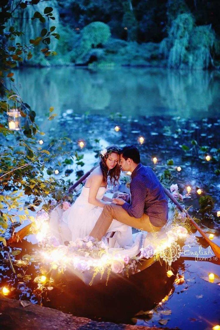 idée de séance photo romantique: barque dans la lagune