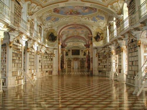 Monastero dei Benedettini biblioteca